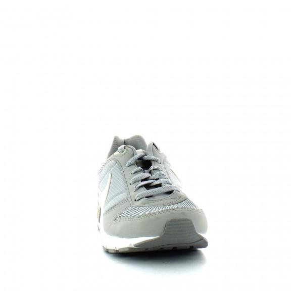 d2ab0854191da Zapatillas Nike Nightgazer Gris Blanco Hombre - Deportes Moya