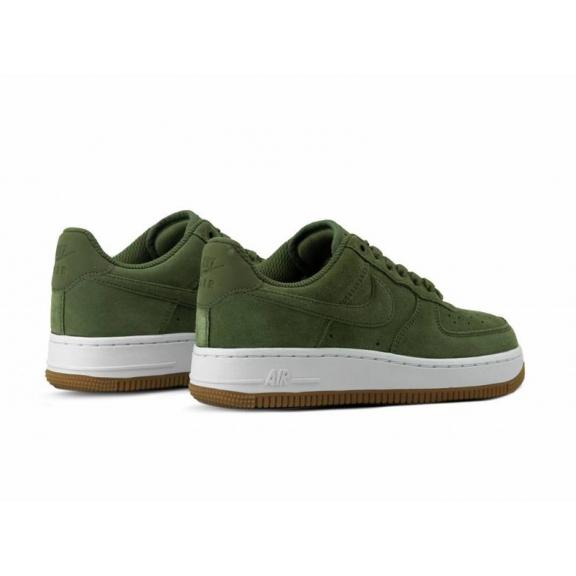 best service c8eec da304 Zapatillas Nike Air Force 1 07 SE verde mujer